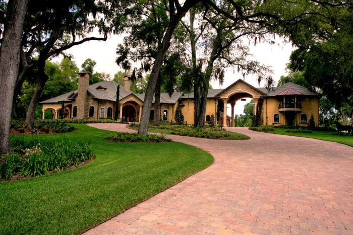 Equestrian Estate, Vegso Residence